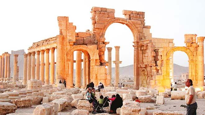 Suriye'de Palmira'nın tümü Esad'ın eline geçti